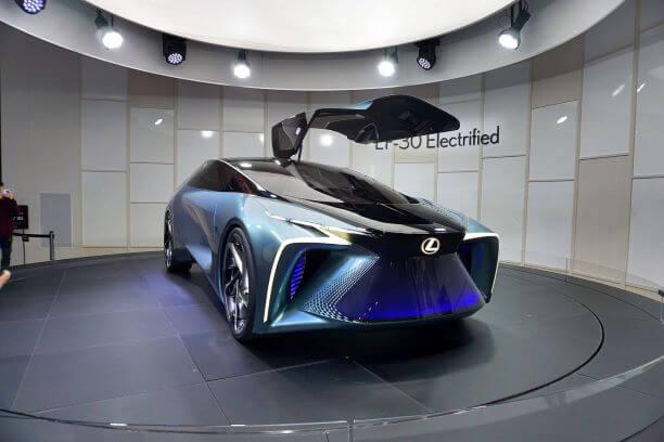 東京モーターショーで展示されたレクサスの自動運転車