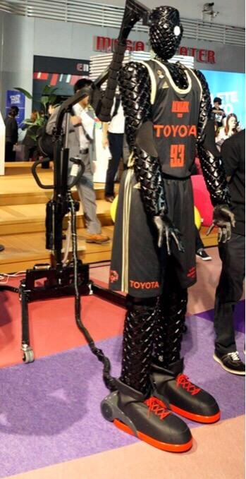 東京モーターショーで展示されていたフリースローロボット