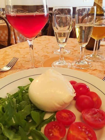 Piccolo Arancioのモッツァレラチーズサラダ