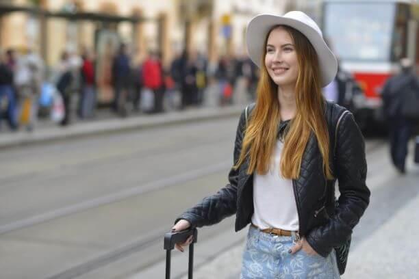 オーストリア観光をする外国人