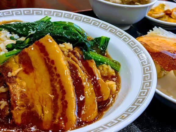 蒲田にある金春新館『豚肉の角煮丼』